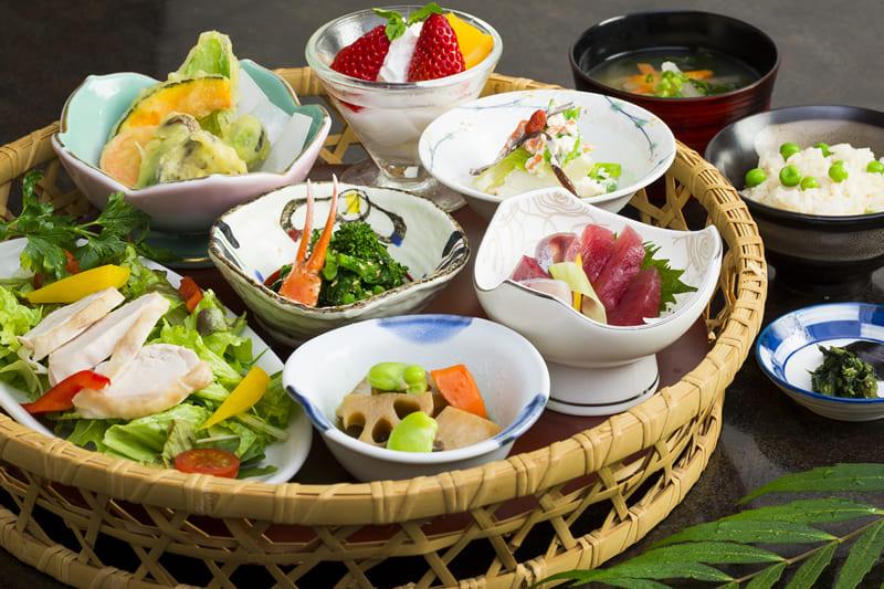 ばってんかご膳 ¥1,800(税込¥1,980)