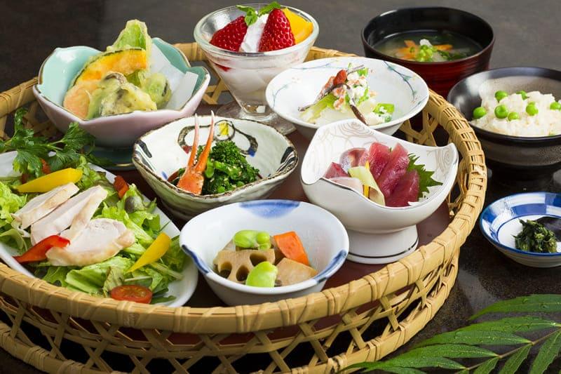 一休かご盛膳 ¥1,800(税込¥1,980)