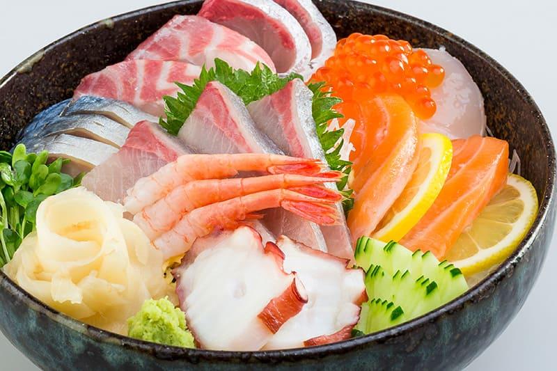 七福海鮮丼(みそ汁付) ¥1,880(税込¥1,980)
