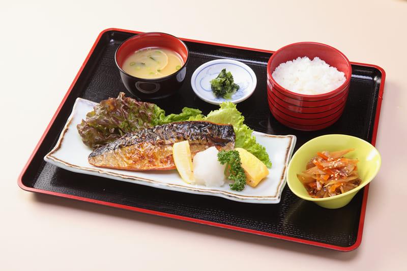 焼きサバ定食 ¥800(税込¥880)