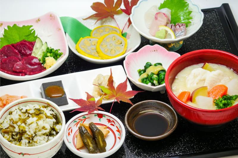 肥後六花膳 ¥1,800(税込¥1,980)