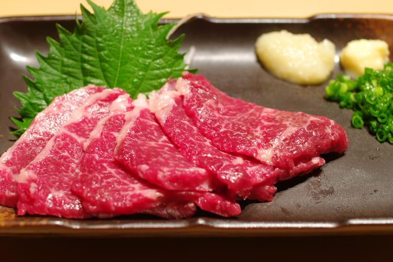 馬刺し ¥1,280(税込¥1,400)